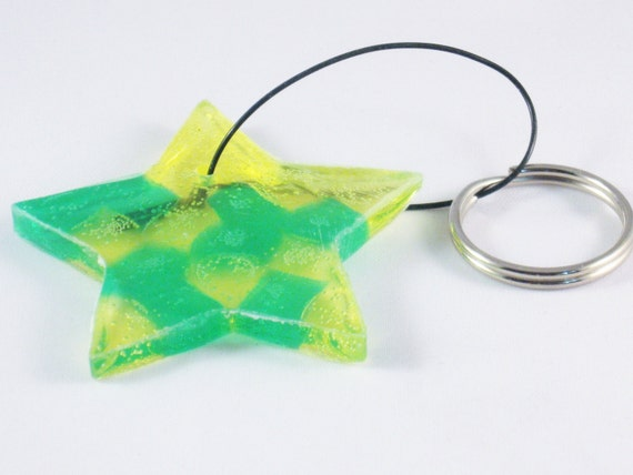 Keychain Star in Green and Yellow