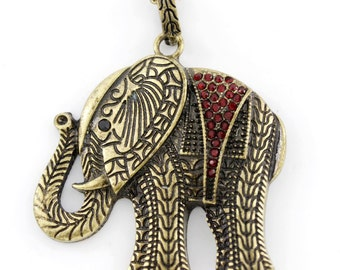 VINTAGE Feel Red Crystal Animal/Baby Elephant Pendant Necklace