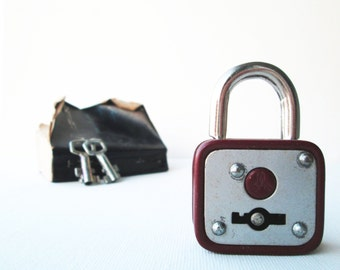 Vintage retro deep brown padlock miniature lock and key, mini padlock