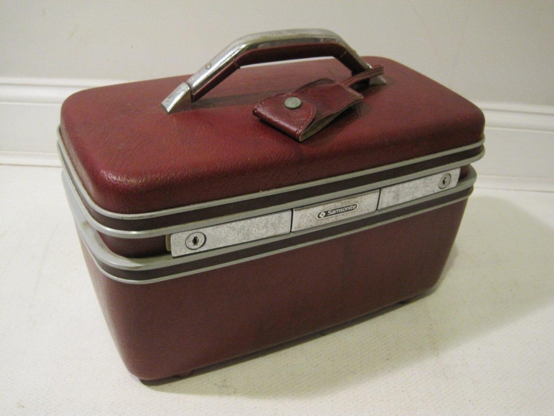 samsonite train makeup case travel bag hard shell vintage. Black Bedroom Furniture Sets. Home Design Ideas