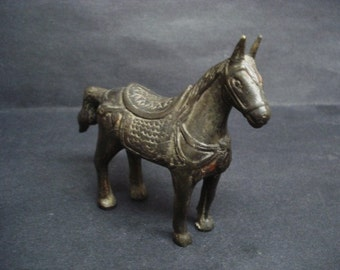 Superb Quality BRONZE HORSE STATUE- Great Detail - Display - Collectible - Artististicly Made -  Horse Figure