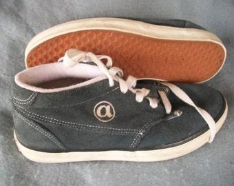 AIRWALK-Vintage , blammo , Blue Suede Skate Shoes -old school-COOL-size 8