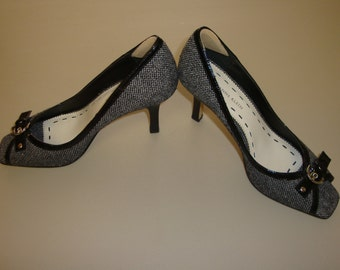 Vintage Anne Klein vintage high heels, black and white fabric, patten leather, silver tone metal Size 7 1/2 M