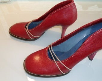 Round toe hipster grunge style red high heel pumps with string strap and top stitching accents : US size 5.5/ Eur 36