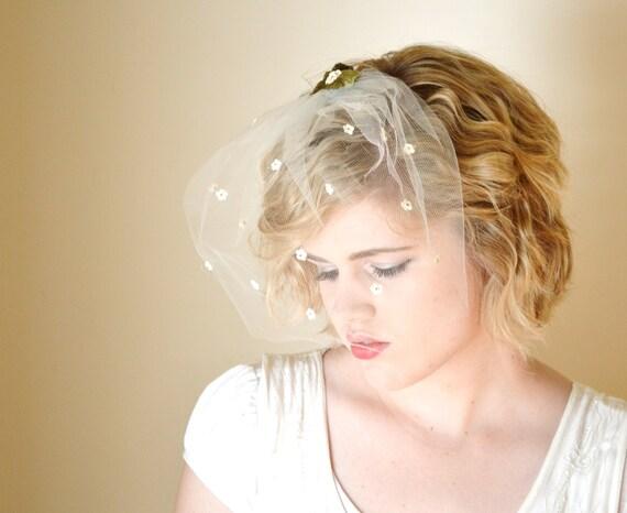 Bridal Veil, Birdcage Veil, Wedding Veil, Bird Cage, Veil Vintage Style, One Tier, Short, Vintage, Flower, Floral, White - APRIL SHOWERS