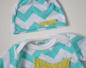 Chevron baby outfit. Gown and hat.  Aqua blue with light green fuzzy star.    (Made by lippybrand) - lippybrand