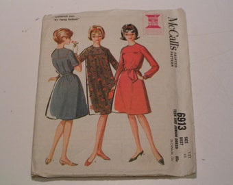 Vintage McCalls Pattern 6913 Teen and Junior Dress