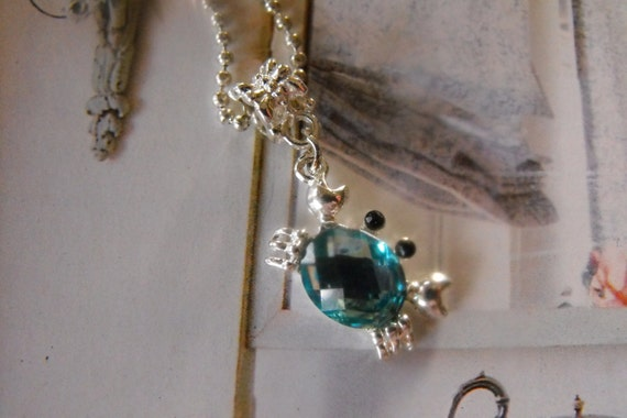 Beachy Pendant  Necklace, CRAB (Silver plated) with turqoise glass crystal stone