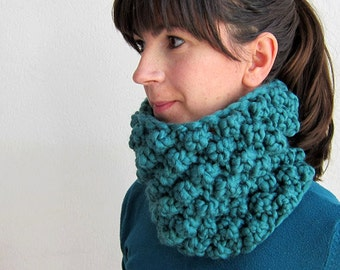 Knitted Chunky Cowl Teal Blue Neck warmer Knitted Hat Teal Chunky knit beret Knitted cap Oversized Headband Teal ear muff headband Teal blue