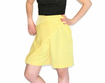 Shorts with Front Panel by Leon Levin. 80s Yellow Shorts Skirt. Summer Fashion. Resourt. Beach Outfit.