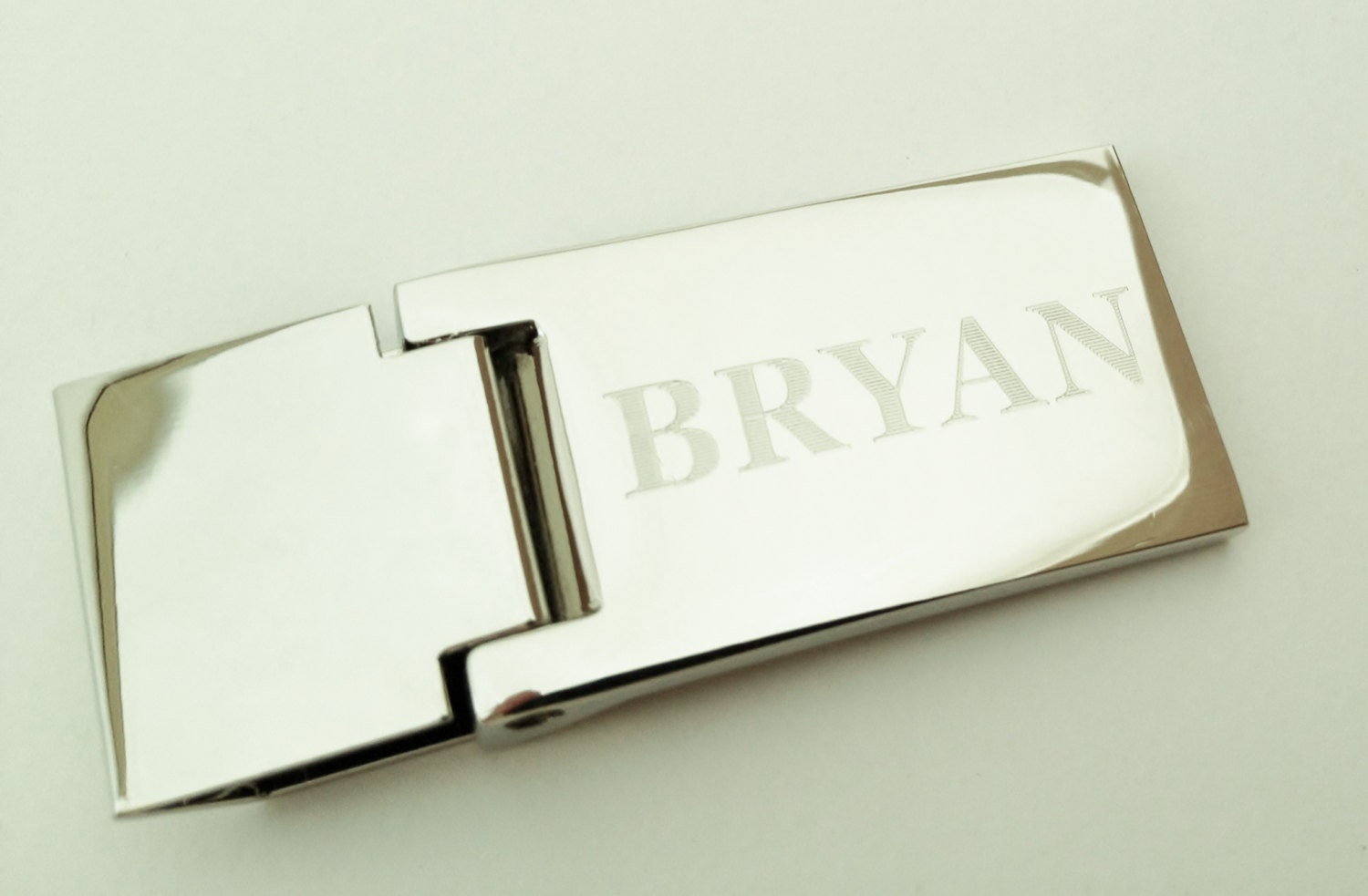 custom hinged money clip engraved with name or monogram for