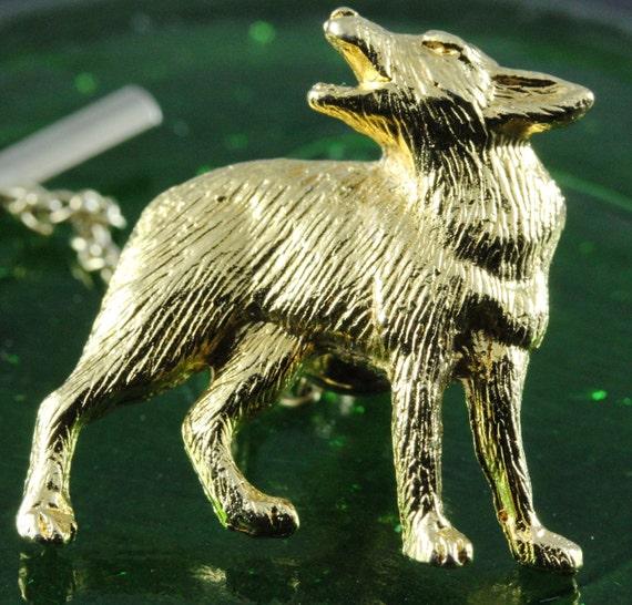 Men's Gold Vintage Howling Wolf Tie Tac