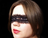 Black Jeweled Lace Mask / Carnival / Masquerade / Mardi Gras / Halloween / Pseudo Blindfold