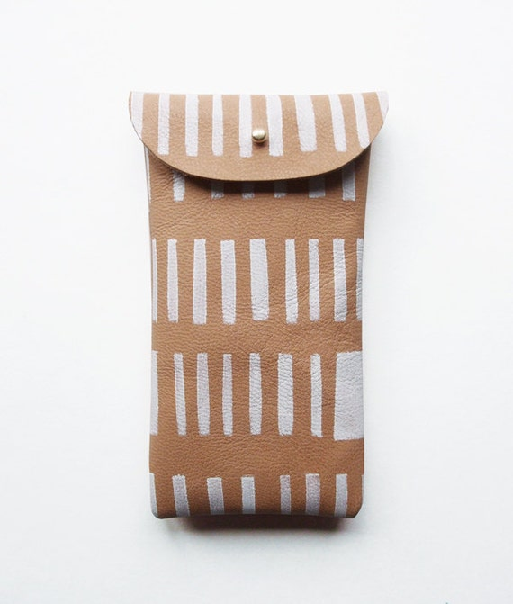iPhone 4, 4s, 5 pouch // mushroom leather with white pattern
