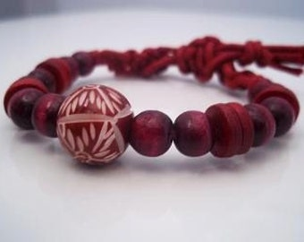 Red wood beads bracelet