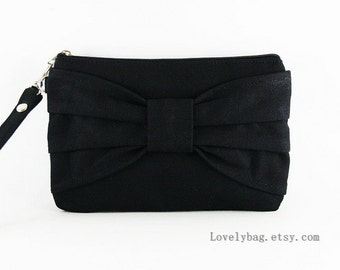 Black Clutch - iPhone 5 Wallet, iPhone Wristlet,Cell Phone Wristlet,Credit Card Bag,Makeup Bag,Zipper Pouch - Made To Order