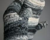 Nålbinding Grey - blue - white Mittens