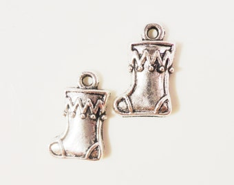 Silver Stocking Charms 17x11mm Antique Silver Tone Metal Christmas Sock Charm Pendant Jewelry Findings 10pcs