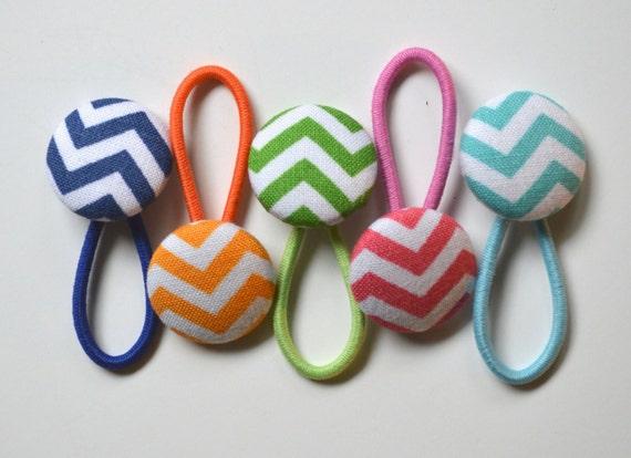 Button Hair Elastics/ Hair ties in Chevron/ set of 5 elastics/ties