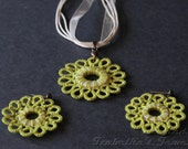 Tatted flower arrings and pendant in Spring green color - IzabelkaG