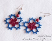 Tatted flower earrings with turquoise beads - IzabelkaG