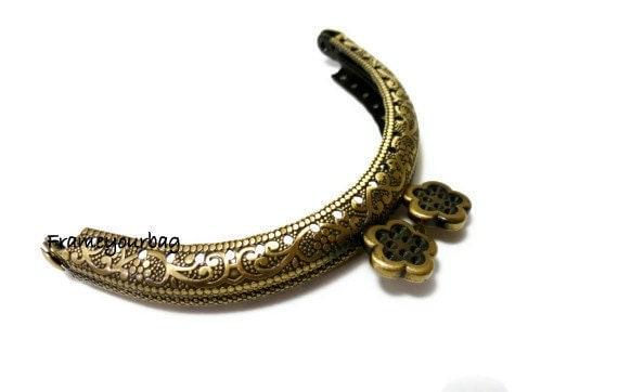 8.5cm ( 3,35 in ) Flower-bead embossed metal bag purse frame antique brass F8.5/084