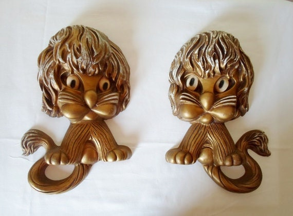 Vintage Pair of Homco Groovy Cats or Lions  Plastic Wall Hangings  Retro  Gold  Art   Mid Century Modern  Child's Room