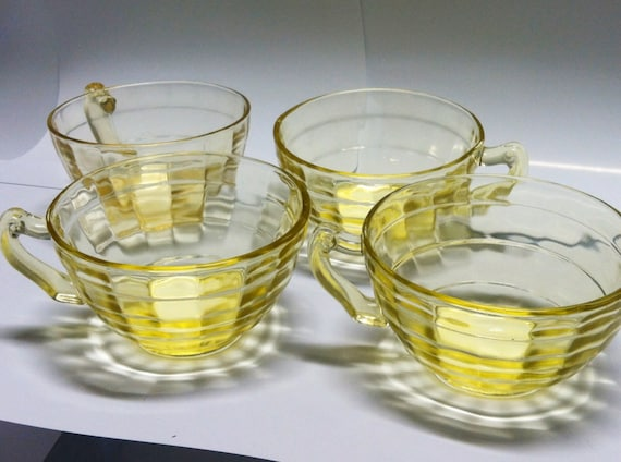 Art Deck Glasses Yellow Tea Cups