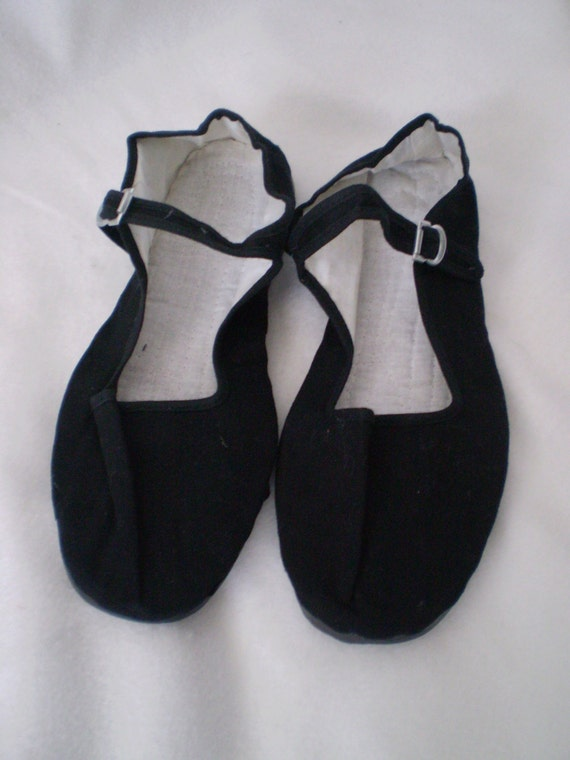 CHINESE FLATS Vintage Black Canvas Chinese Mary Jane Shoes