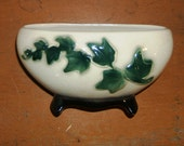 Classic Vintage Ivy Pattern Ceramic Planter Green on Cream