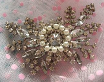Angel sparkle Victorian pearls and rhinestone crystals brooch pin, pearls brooch, wedding brooch, bridal brooch, rhinestones brooch, engaged