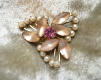 Unmarked Beauty Frosted Pink Glass and Pearls Brooch