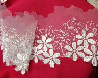 """Item: B0880N1, 3 Yards, 6"""", Daisy Flower embroidery on White Organza, White"""
