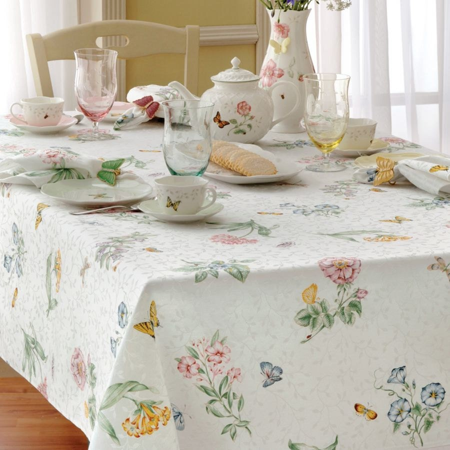 Vintage lenox butterfly meadow 70 inch round tablecloth for Table 6 lenox