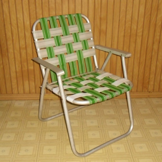 Vintage Woven Folding Lawn Chair
