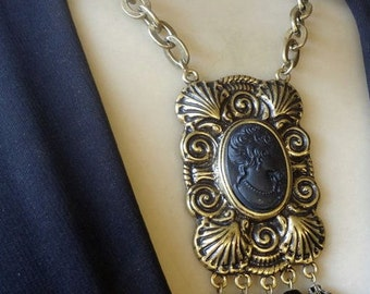 Vintage Dramatic Victorian-Style Black Cameo Pendant Necklace