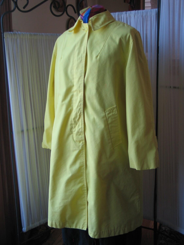 Vintage 1960s 60s Lemon yellow Raincoat by Fleet Street made
