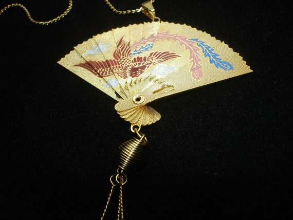 Gorgeous Vintage Etched Oriental Flying Bird Fan Pendant Necklace