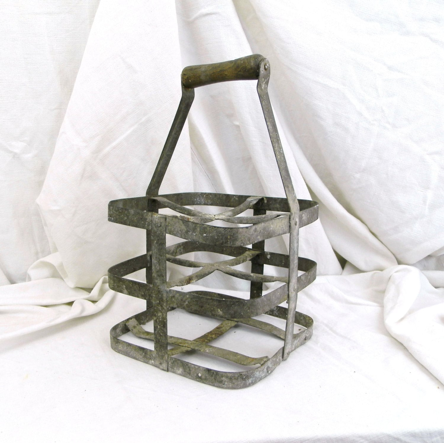Vintage french metal wine bottle carrier for 4 bottles - Wire wine bottle carrier ...
