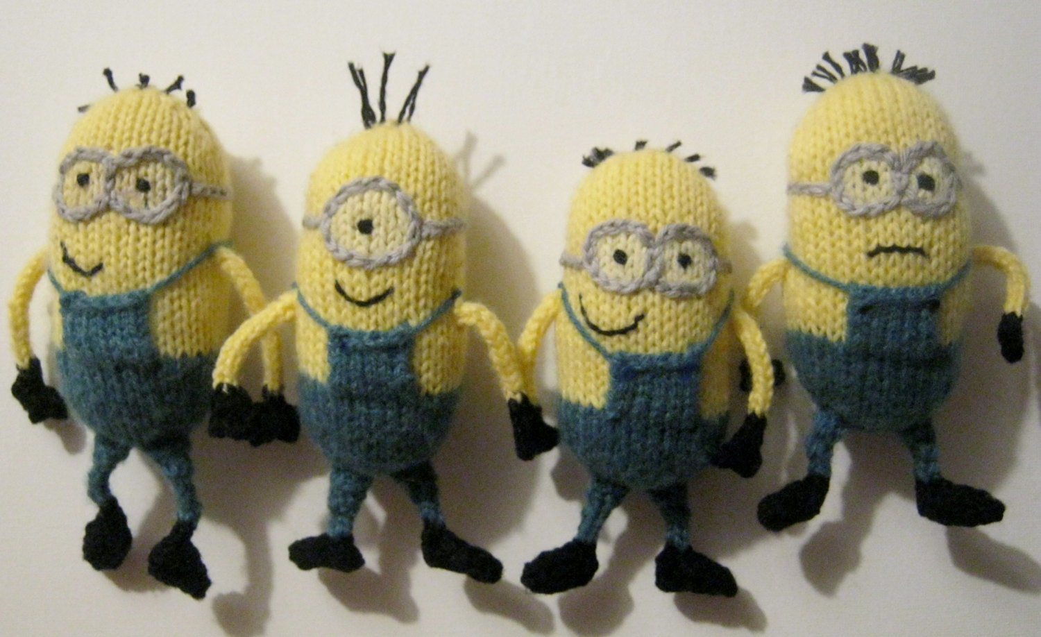 Knitted Minions Pattern : PDF Pattern for knitted despicable me minions