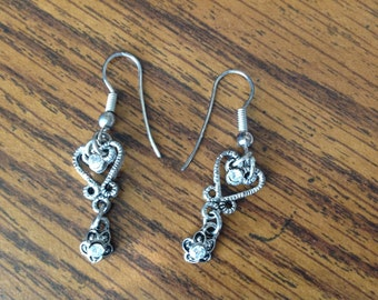 Vintage Silver Tone Pierced Dangle Earring with Heart design