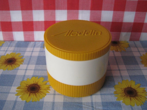 Vintage Aladdin Thermos Insulated Thermo Jar Yellow  White Model 7000 1960's