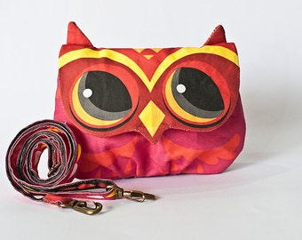 Red Owl Clutch Bag