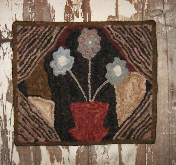 Rug Hooking Designs Primitive: Primitive Hooked Rug Design Adapted From An Antique Hooked Rug