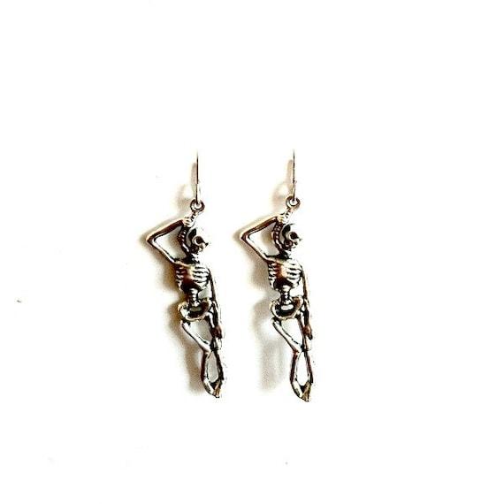 hangman earrings antique silver dangling skeleton earrings