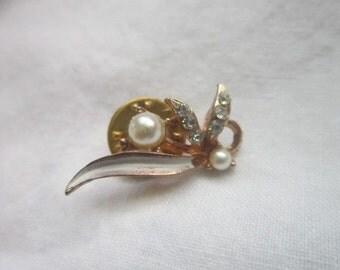 Vintage Petite Pearl & Rhinestone Flower Pin Brooch