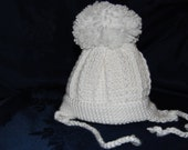 White crocheted bay boy bobble hat 3-6 months
