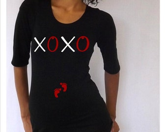 "Fun,cute, maternity Shirt ""XOXO"" with footprints Perfect for valentine's day or everyday use, 3/4 sleeves"