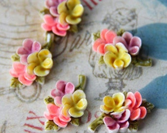 6 pcs of hand painted resin bouquet cabochon 18mm-0810