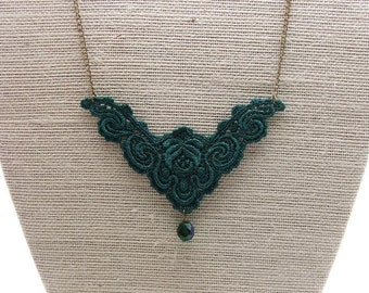 Dark green  venice lace necklace with green swarovski bead - antique style